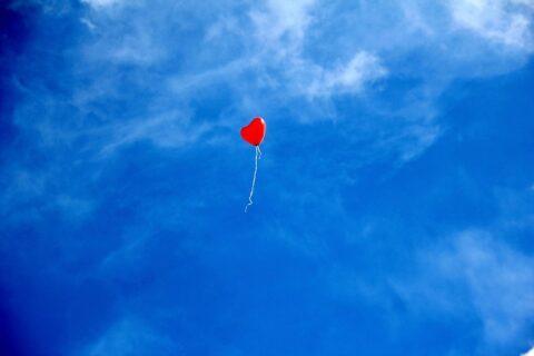 ハートの形をした風船